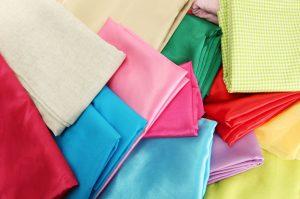 Tipos de tecido para uniformes: conheça os 5 mais adequados!