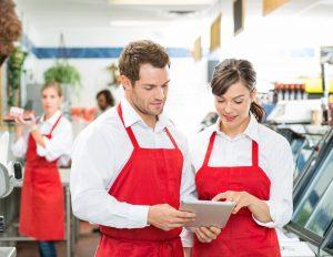 Como evitar que funcionários usem roupas inadequadas no trabalho?